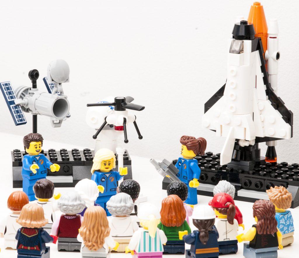 Lego Minifigs representing an industry semir explaining STEM careers